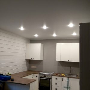Натяжной потолок для кухни - белый | матовый | 12 м2