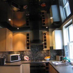 Черный глянцевый натяжной потолок - 9 м2