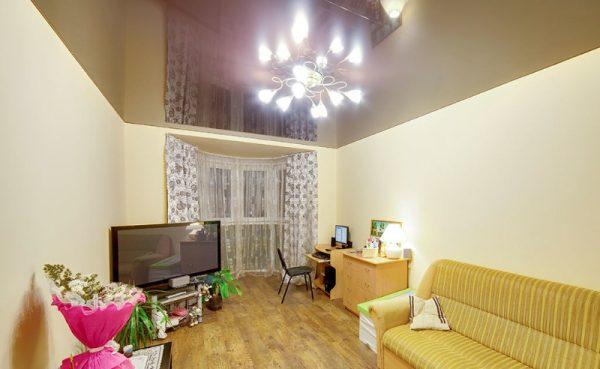 Натяжные потолки в гостиной - 15м2